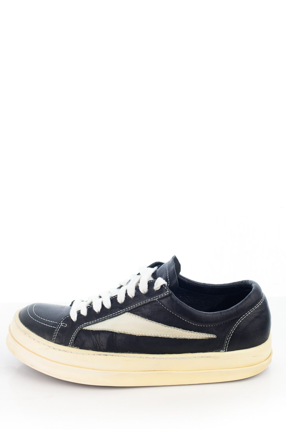 "2007 ""Vans"" in Black/White"