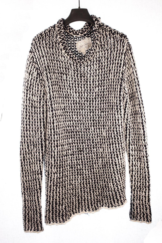 Knitted Longsleeve w/ Bubble Collar
