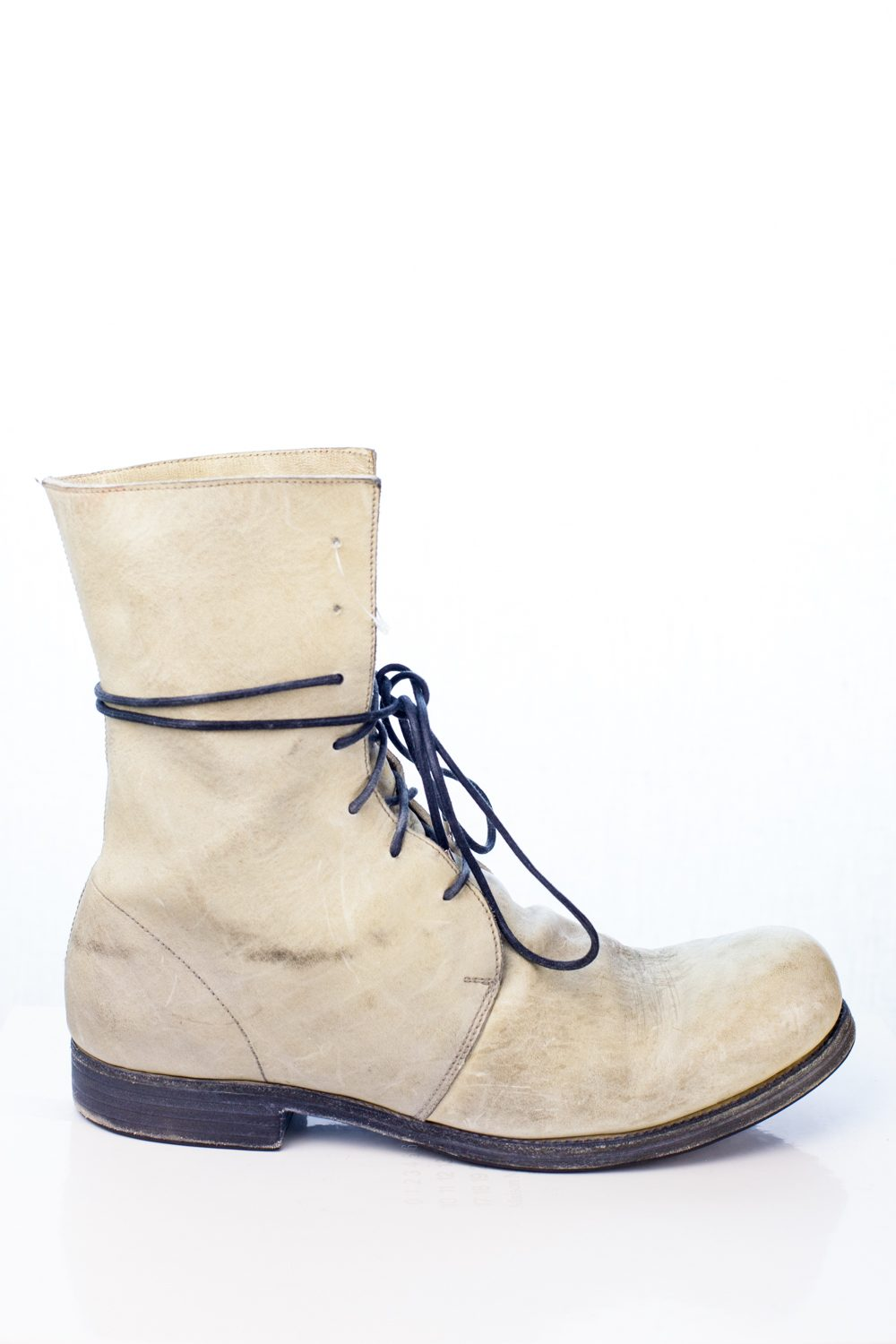 A1923 Horse Leather 7-hole boot