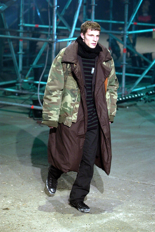 FW01 Riot Riot Riot! Patched Ma-1 Camo Bomber